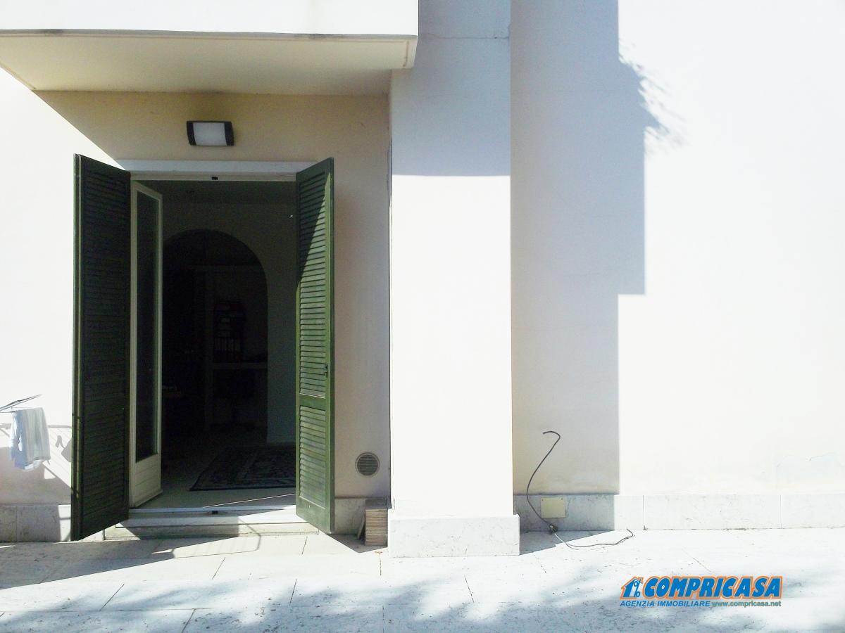 Appartamento in vendita a Peschiera del Garda, 4 locali, prezzo € 285.000 | Cambio Casa.it