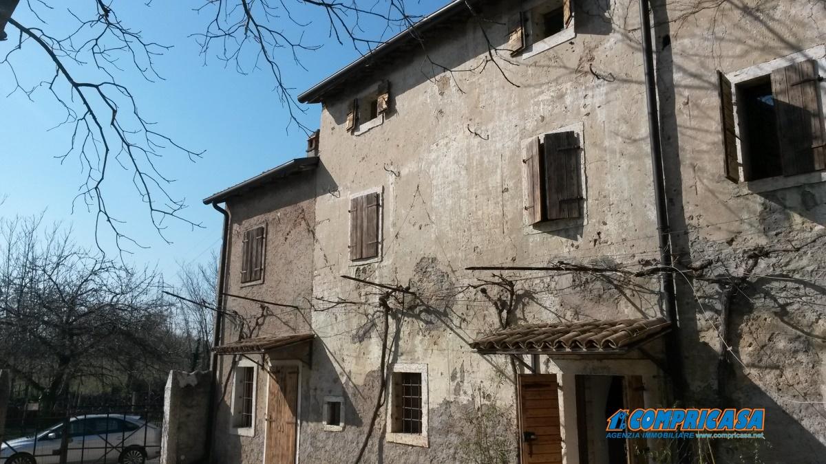 Rustico / Casale in affitto a Affi, 6 locali, prezzo € 1.000 | Cambio Casa.it