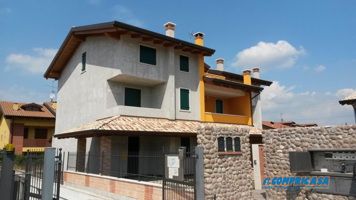 Soluzione Indipendente in vendita a Pastrengo, 6 locali, prezzo € 450.000 | Cambio Casa.it