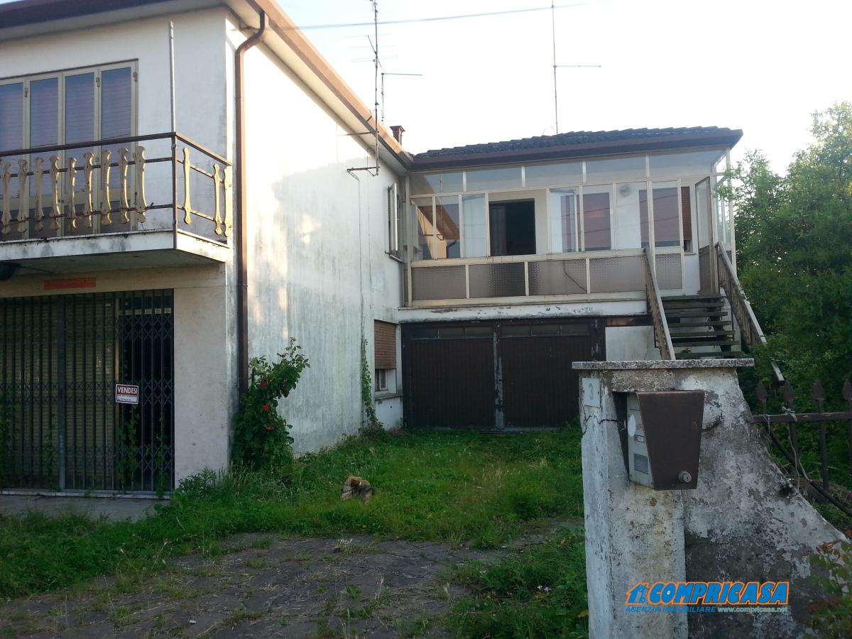 Villa in Vendita a Megliadino San Vitale