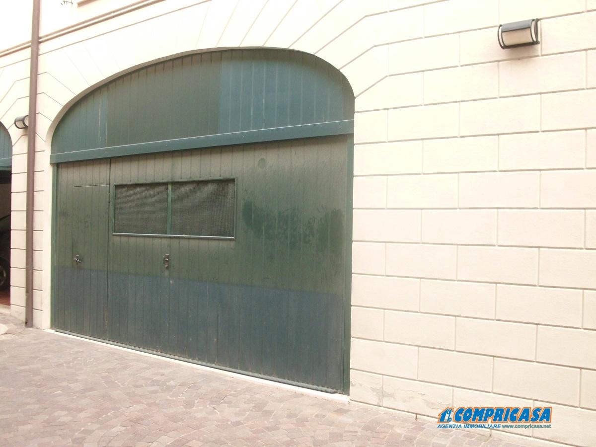Appartamento in vendita a Montagnana, 5 locali, prezzo € 165.000 | Cambio Casa.it