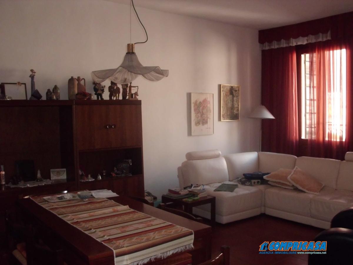 Palazzo / Stabile in Vendita a Montagnana