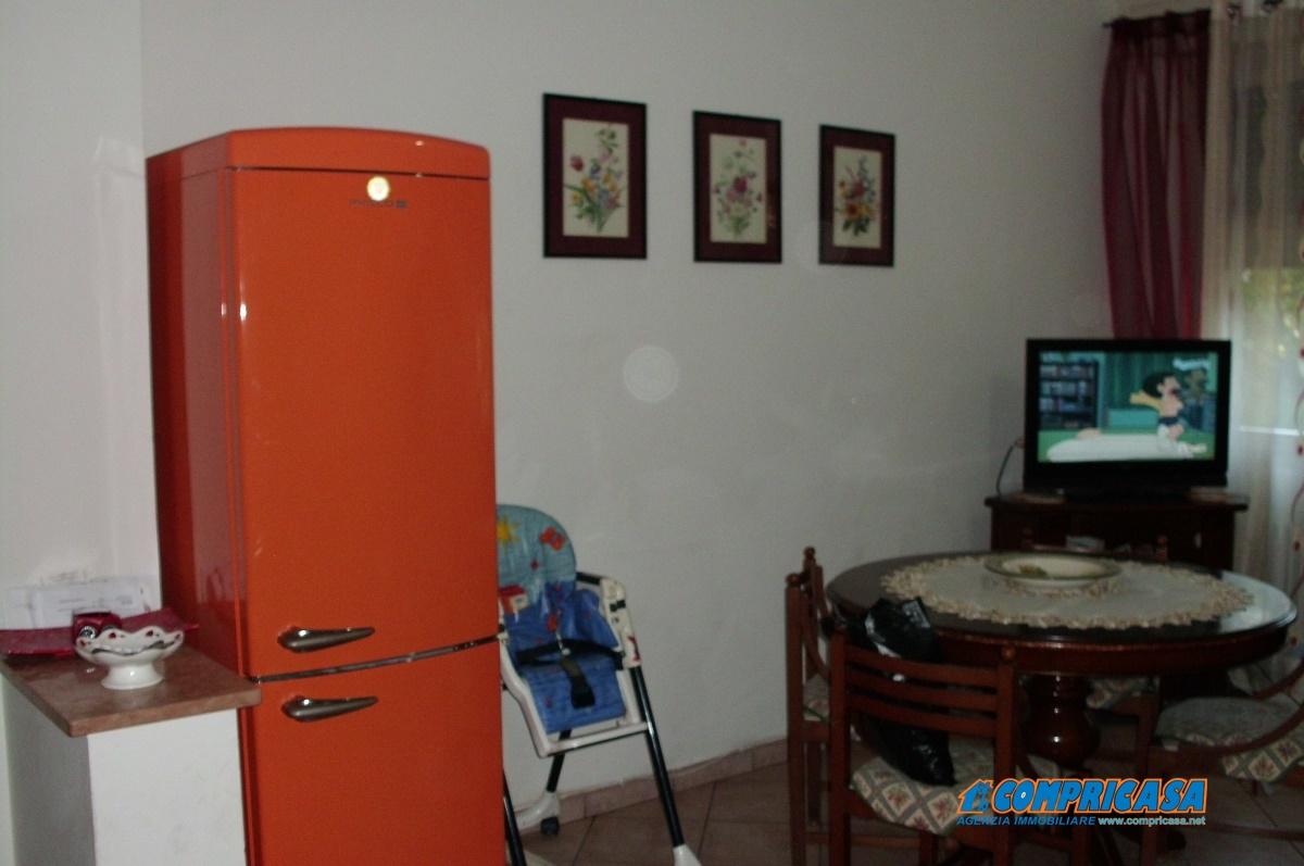 Appartamento in vendita a Montagnana, 7 locali, prezzo € 75.000 | CambioCasa.it