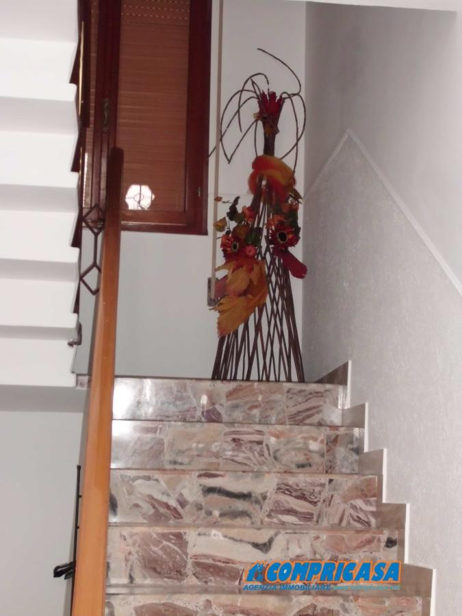 Villa in vendita a Merlara, 6 locali, prezzo € 135.000   Cambio Casa.it