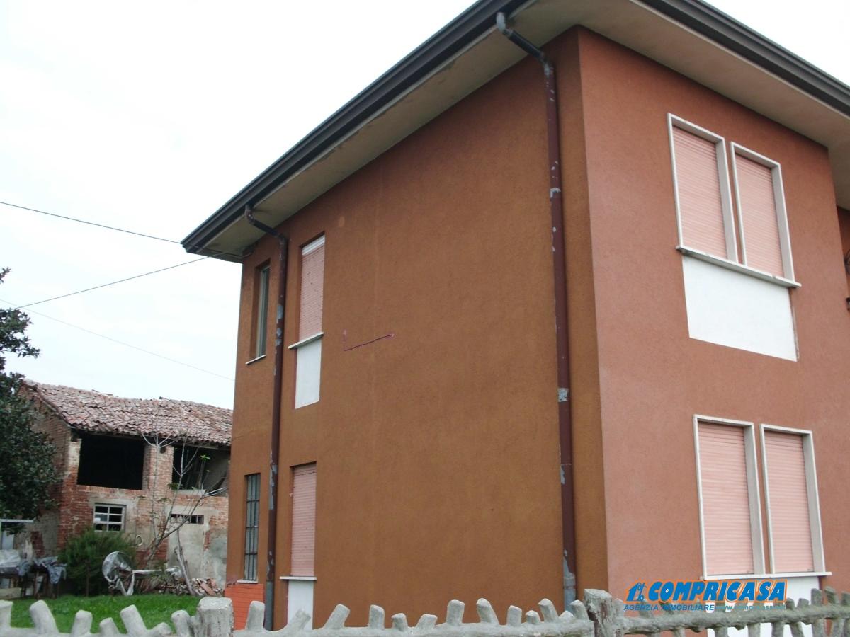 Villa in vendita a Merlara, 6 locali, prezzo € 135.000 | Cambio Casa.it