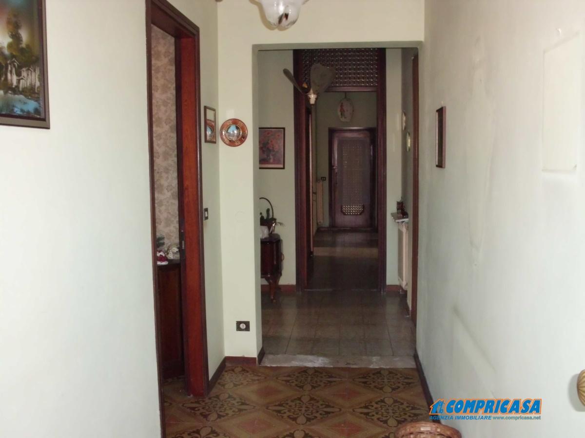 Appartamento in vendita a Montagnana, 8 locali, prezzo € 90.000 | Cambio Casa.it