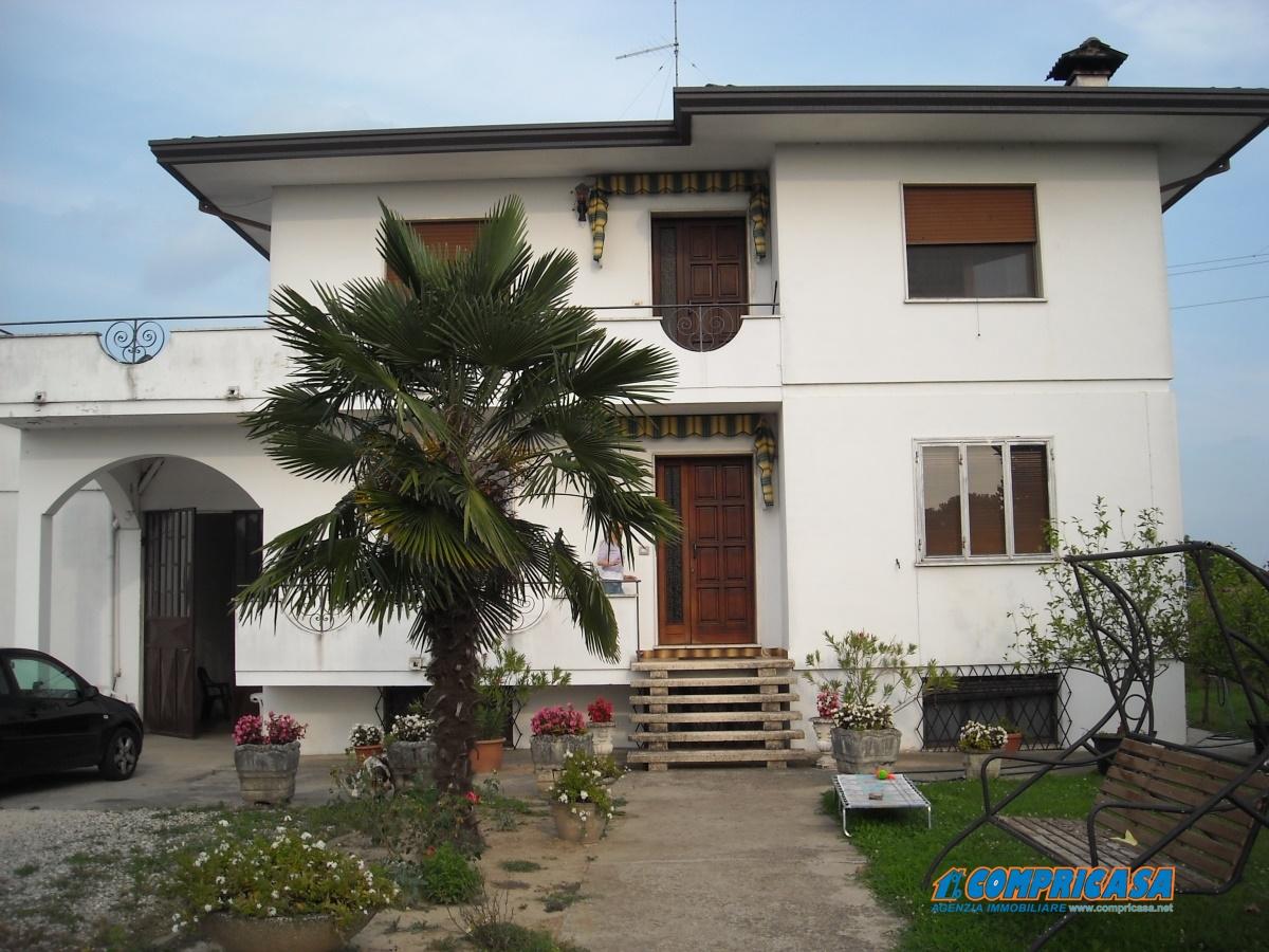 Villa in Vendita a Santa Margherita d'Adige