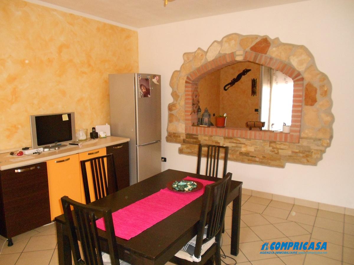 Appartamento in vendita a Vescovana, 5 locali, prezzo € 100.000 | Cambio Casa.it