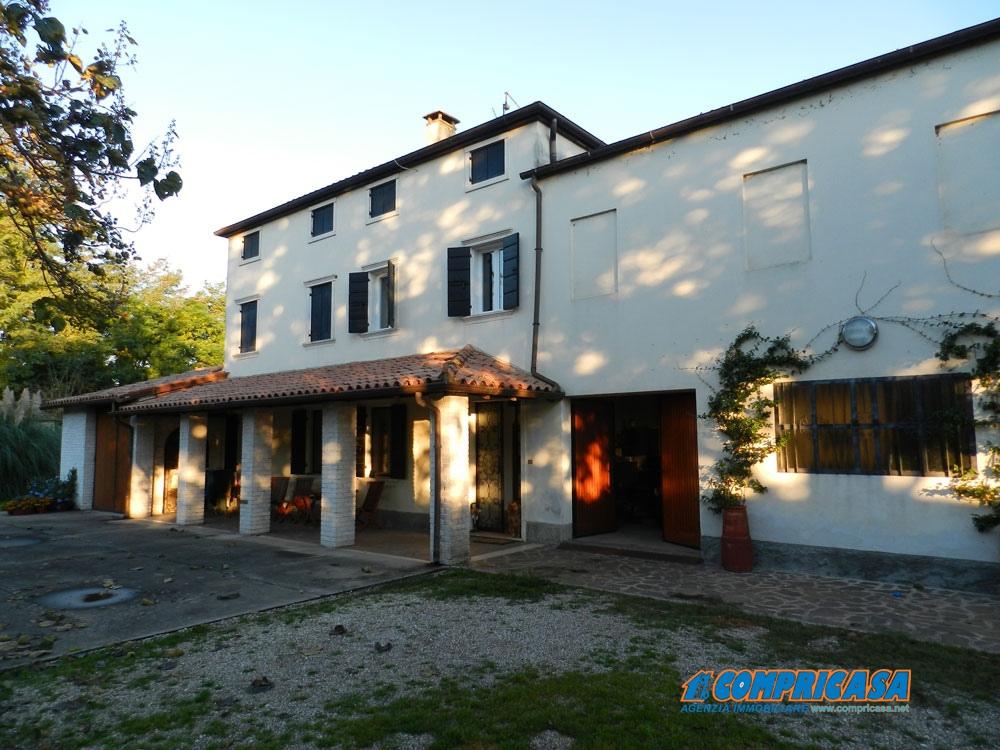 Villa in vendita a Montagnana, 11 locali, prezzo € 279.000 | Cambio Casa.it