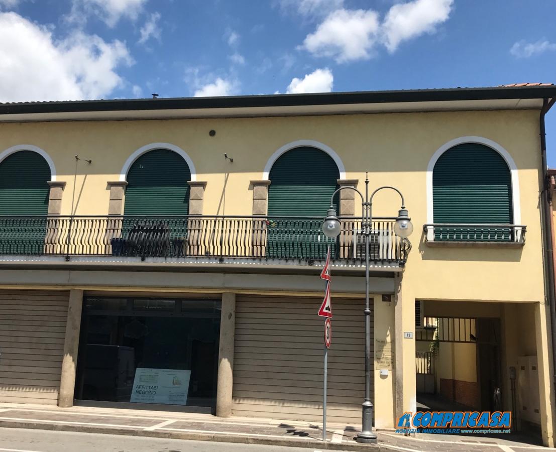 Ufficio / Studio in affitto a Casale di Scodosia, 1 locali, prezzo € 750 | CambioCasa.it