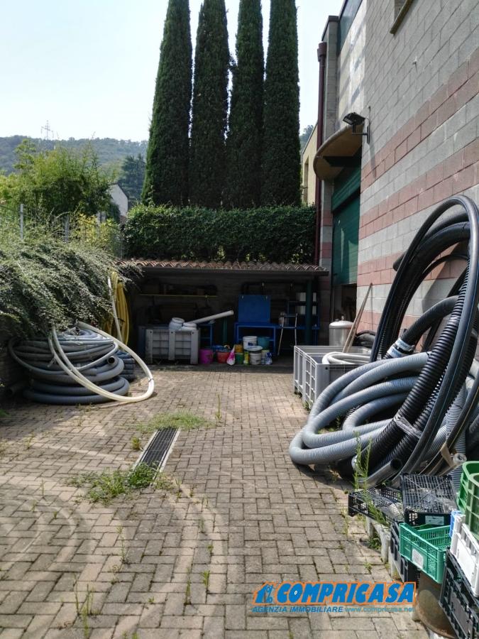 Capannone in vendita a Garda, 1 locali, Trattative riservate | CambioCasa.it