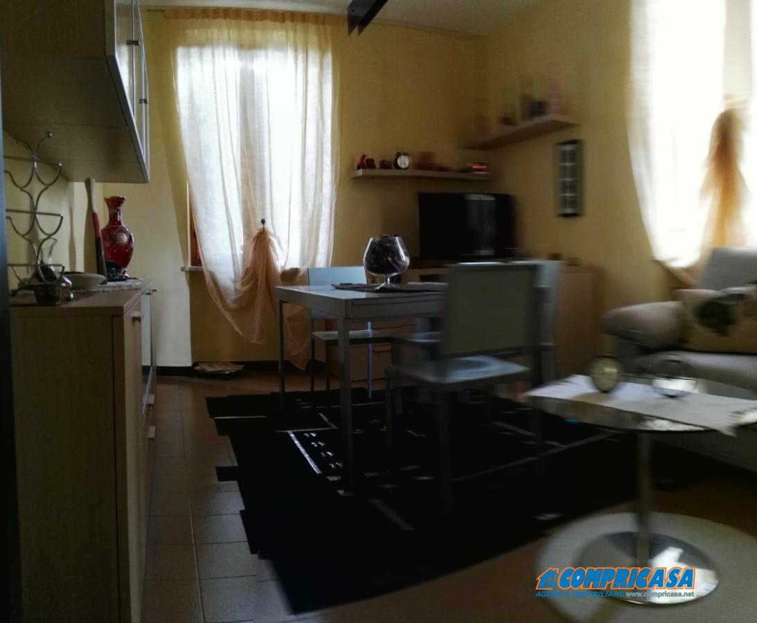 Appartamento in affitto a Cavaion Veronese, 3 locali, prezzo € 700 | CambioCasa.it