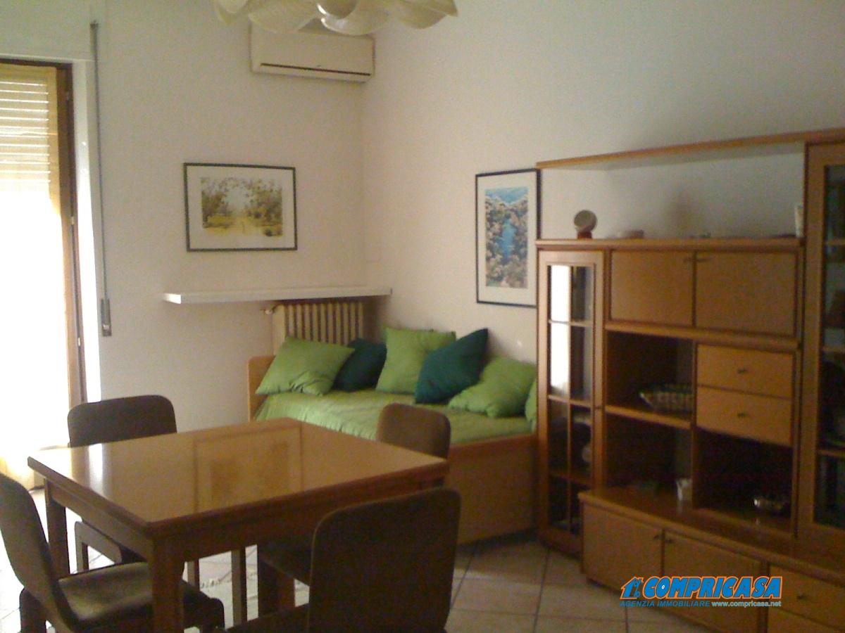 Appartamento in affitto a Bardolino, 4 locali, prezzo € 680 | Cambio Casa.it