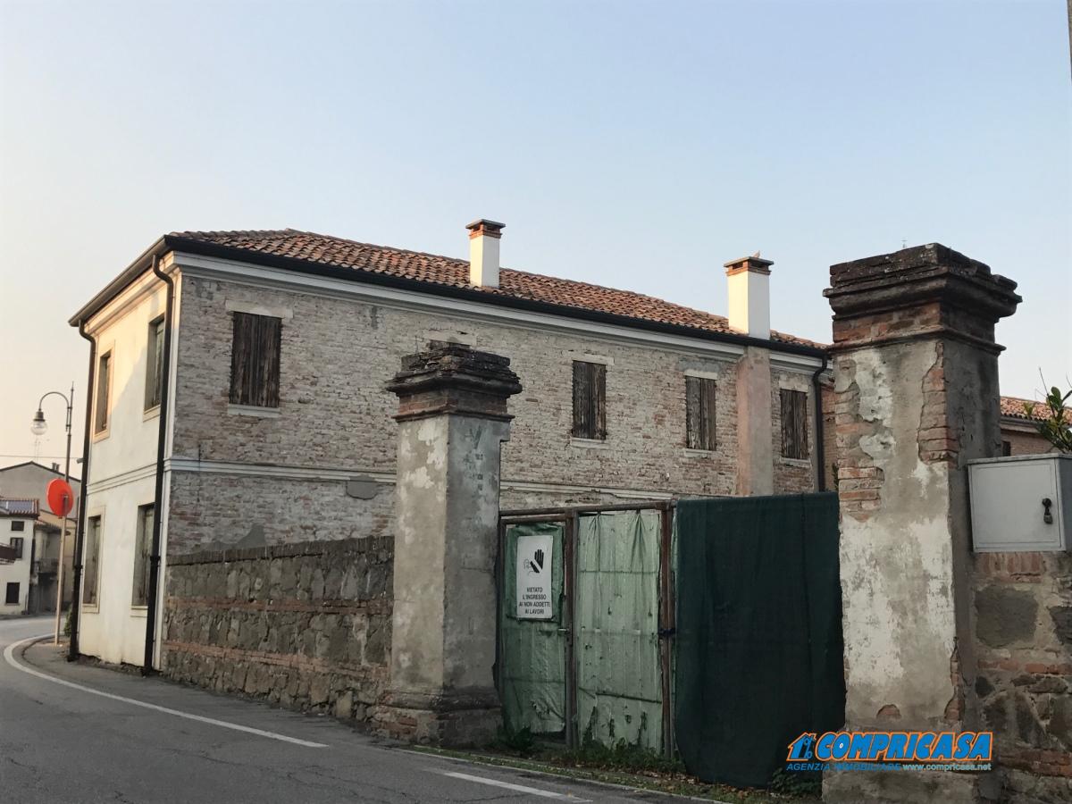 Palazzo / Stabile in vendita a Casale di Scodosia, 9999 locali, prezzo € 249.000 | CambioCasa.it