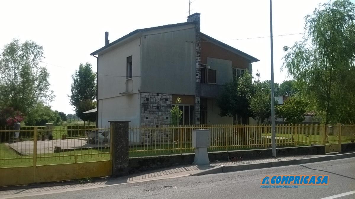 Villa in vendita a Urbana, 8 locali, prezzo € 120.000 | CambioCasa.it