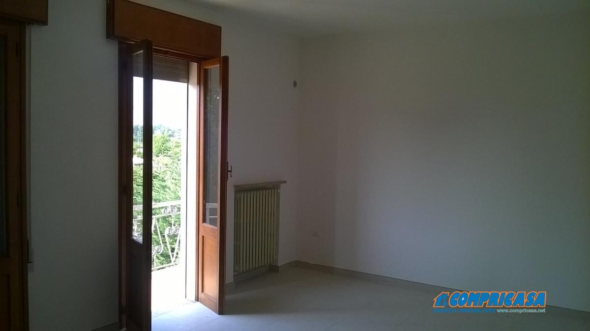 Appartamento in affitto a Piacenza d'Adige, 4 locali, prezzo € 320 | Cambio Casa.it