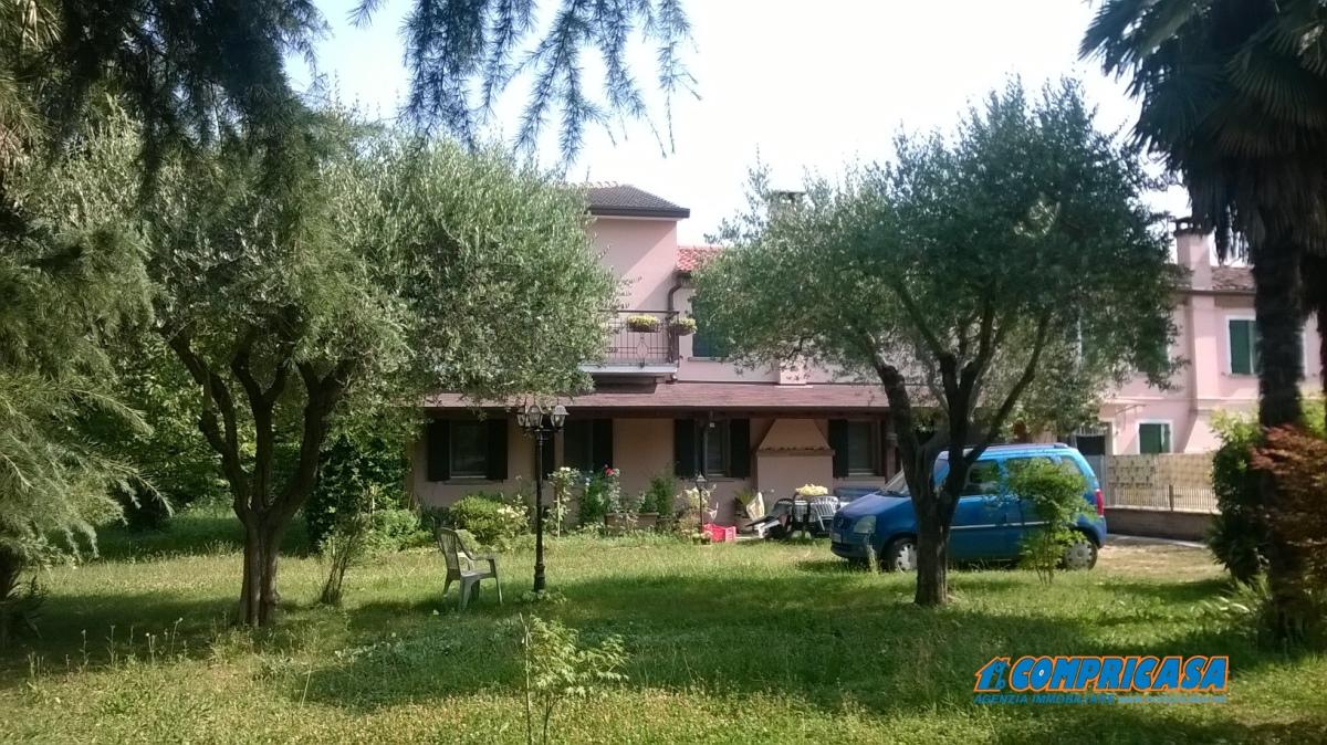 Villa in Vendita a Saletto