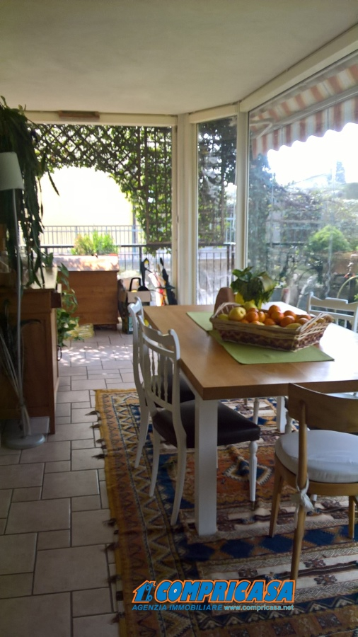 Appartamento in vendita a Sant'Ambrogio di Valpolicella, 5 locali, prezzo € 295.000 | CambioCasa.it