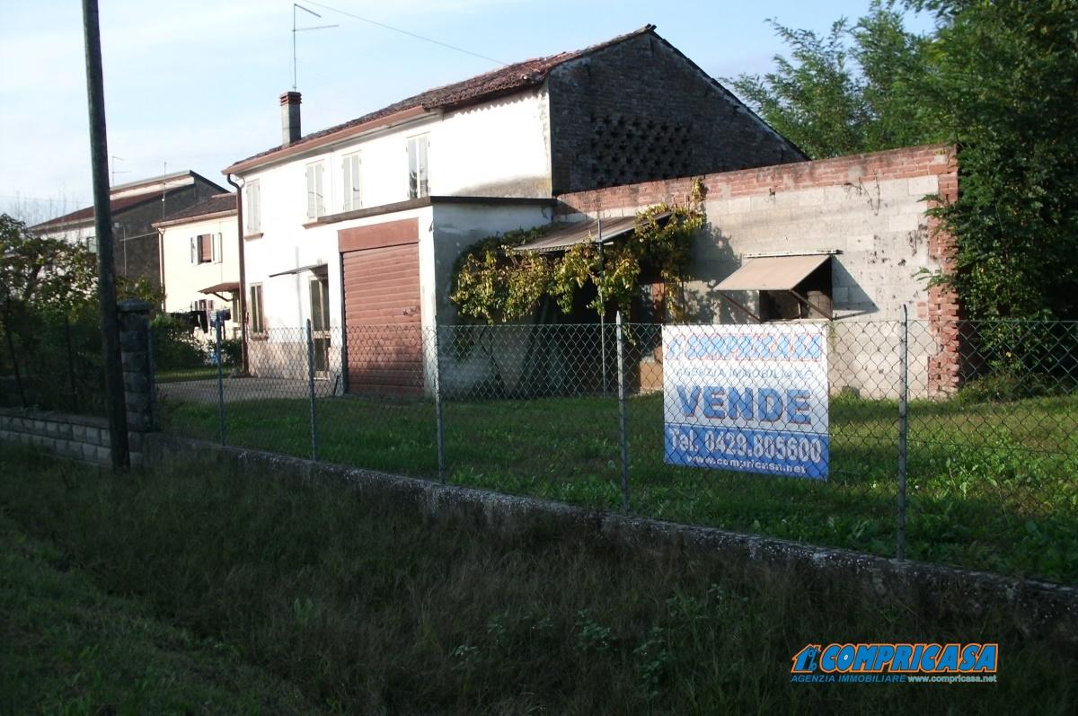 Rustico / Casale in Vendita a Montagnana