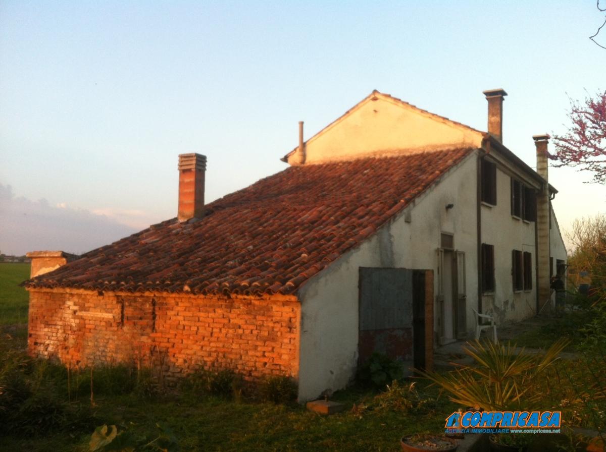 Case e appartamenti in vendita a giacciano con baruchella for Case in vendita rovigo e provincia