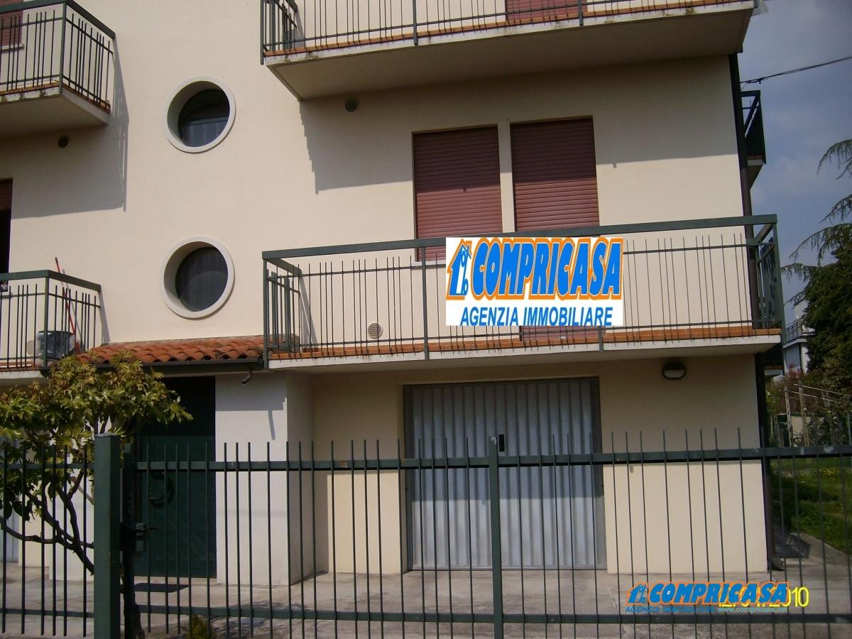 Appartamento in affitto a Montagnana, 5 locali, prezzo € 450 | Cambio Casa.it