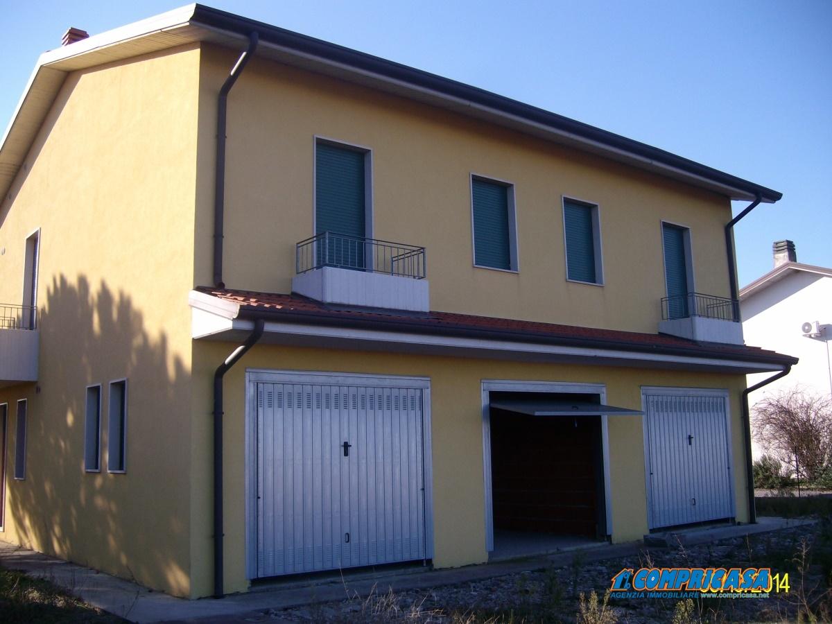 Appartamento in vendita a Roveredo di Guà, 7 locali, prezzo € 80.000 | Cambio Casa.it