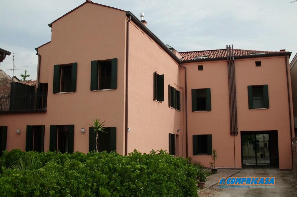 Appartamento in affitto a Montagnana, 4 locali, prezzo € 450 | CambioCasa.it