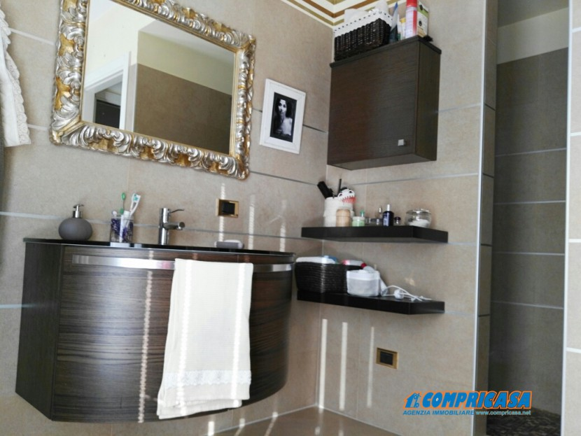 Sale Apartments Verona - Five rooms Locality